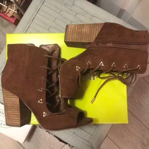 Carlos Santana chunky heels